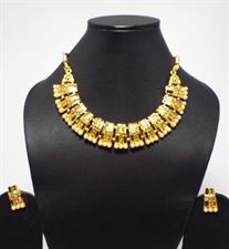 Short Pearls Designer Necklace Jewellery Set for Ladies